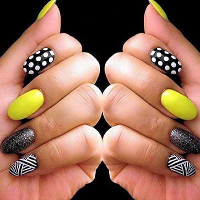 Mix match nails art