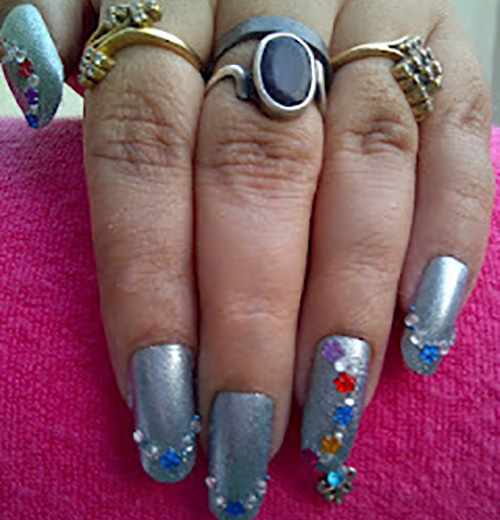 Nail-Art-In-Metallic-Flower-look1