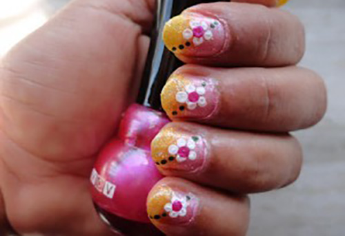 Pretty-Looks-Short-Nail-Art-300x2251