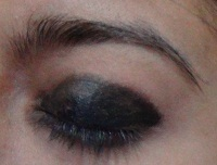 black eye makeup tutorial step2