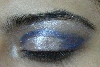 blue eye makeup tutorial3