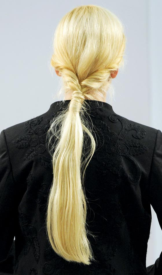 Knotted Puffed Low Pony