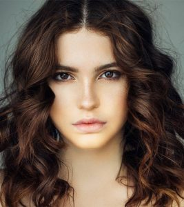 75 Beautiful Medium-Length Layered Hairstyles In 2020