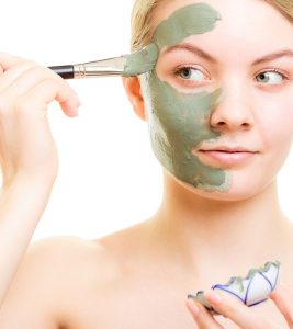17 Homemade Face Packs For Dry Skin