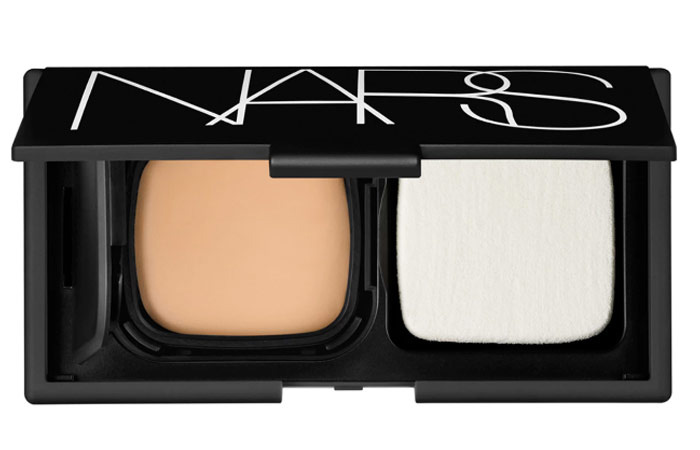 2.-Nars-Radiant-Cream-Compact-Foundation
