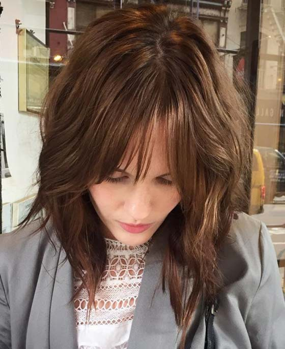 Best Layered Hairstyles With Bangs - Subtle-Waves-With-Sparse-Bangs