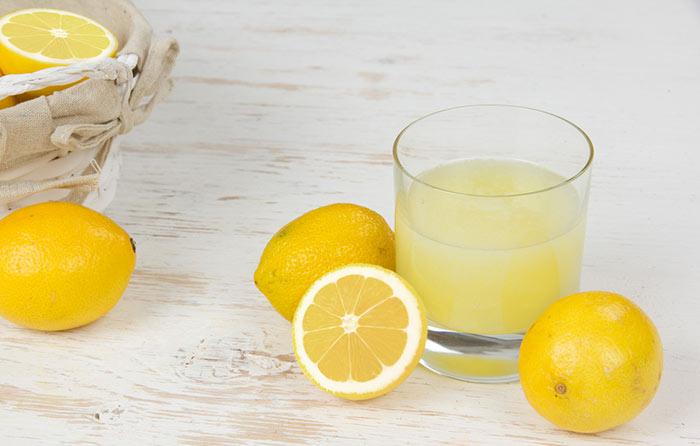 2. Lemon Juice For Dark Spots