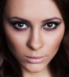 7 Simple Steps To Apply Eye Makeup For Wide Set Eyes: