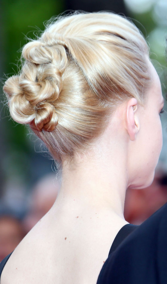 Chignon Buns You Can Try Right Now - Hairstyle chignon bun
