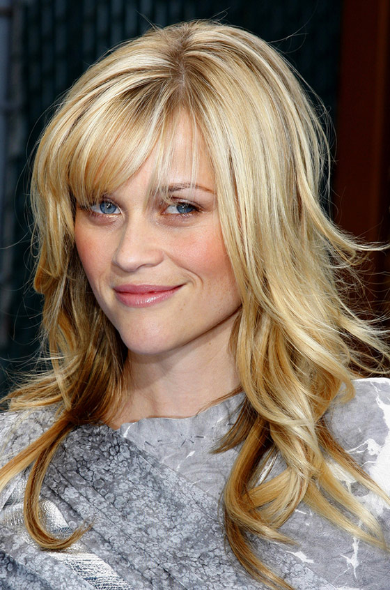 Best Layered Hairstyles With Bangs - Blow-Dried Edges And Small Bangs