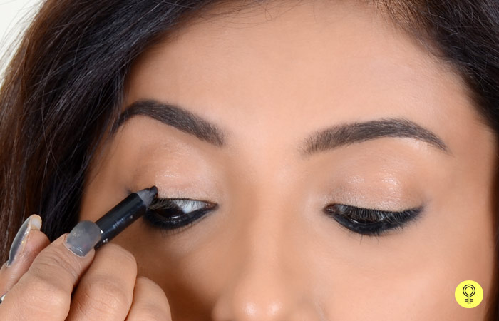 How To Apply Kajal Perfectly? - Step 4: Tightline That Upper Waterline