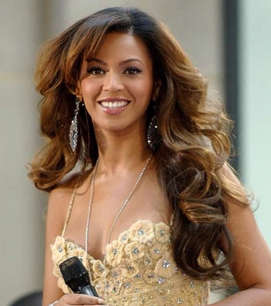 Best Layered Hairstyles With Bangs - Beyonce Bangs