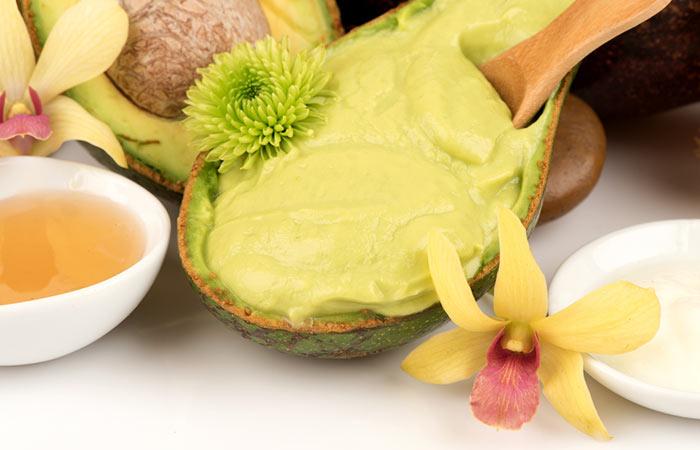 6. Avocado And Kiwi Face Pack