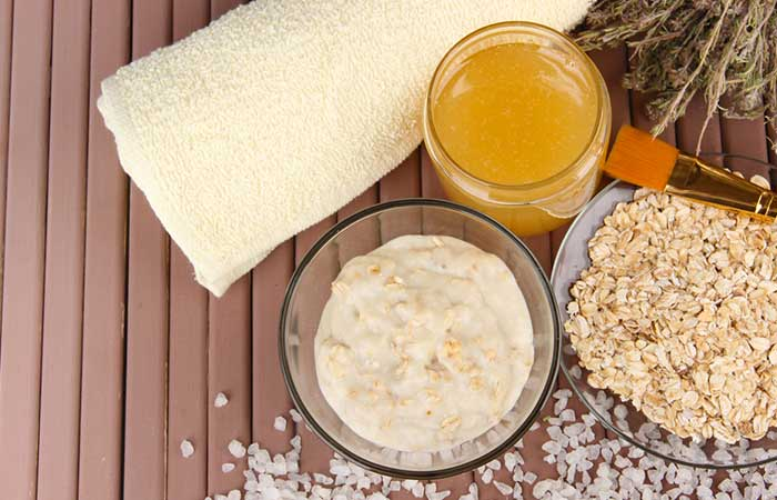 7. Honey And Oats Face Pack