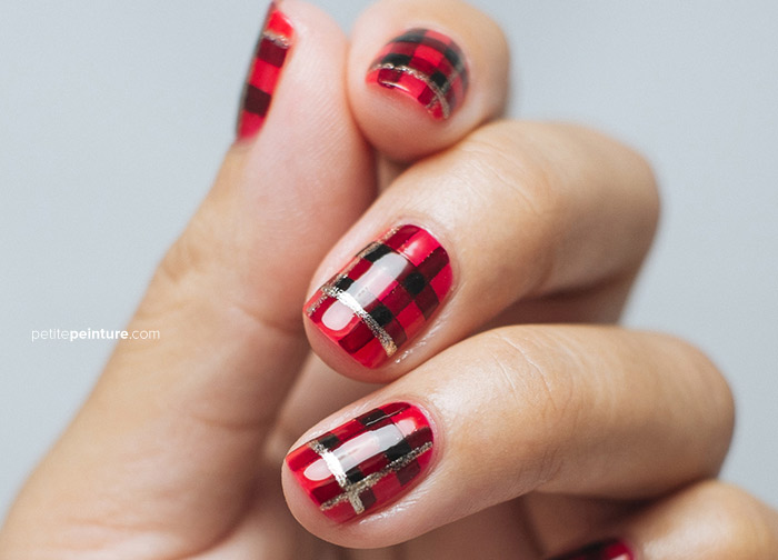 A Very Plaid Christmas Nail Art