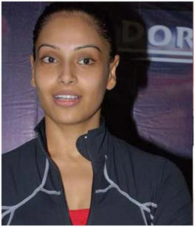 bipasha basu with out makup