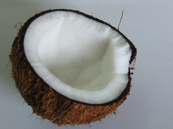 coconut milk and lemon locks mask