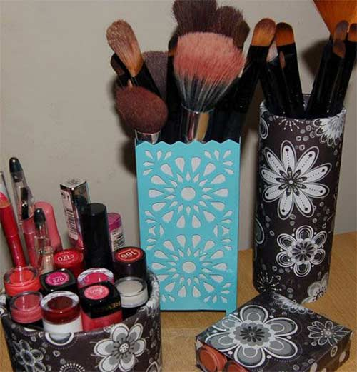 Cute DIY Lipstick And Brush Holders