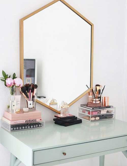 DIY Minimalist Vanity