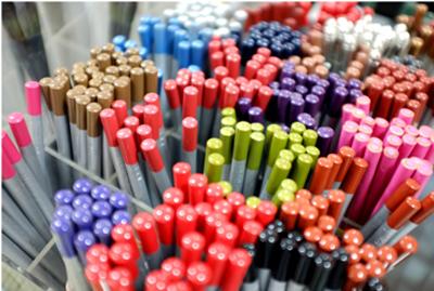 Eye shadow pencils
