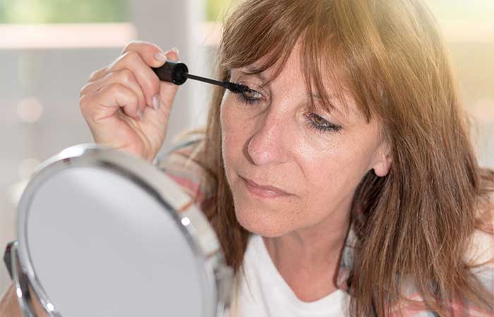 Makeup Tips For Women Over 50 - Fall In Love With Black Mascara