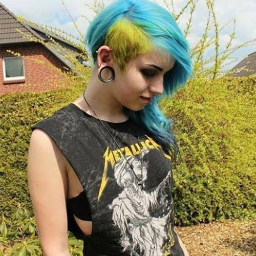 Wondrous 10 Emo Hairstyles For Girls With Medium Hair Hairstyles For Women Draintrainus