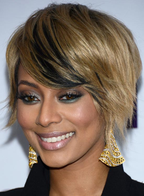 Golden-Blonde-Bob-with-Soft-Black-Lowlights