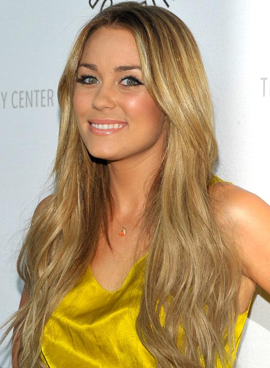 Highlighted Blonde Layers with Subtle Waves and Texture