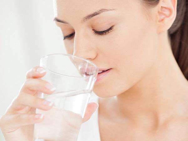 keep lips hydrated