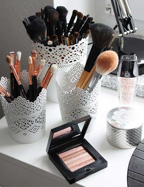 Makeup Brushes In Pretty Containers