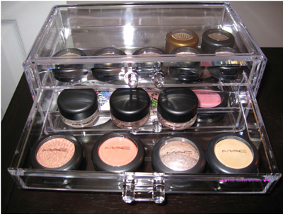 eye shadow pots