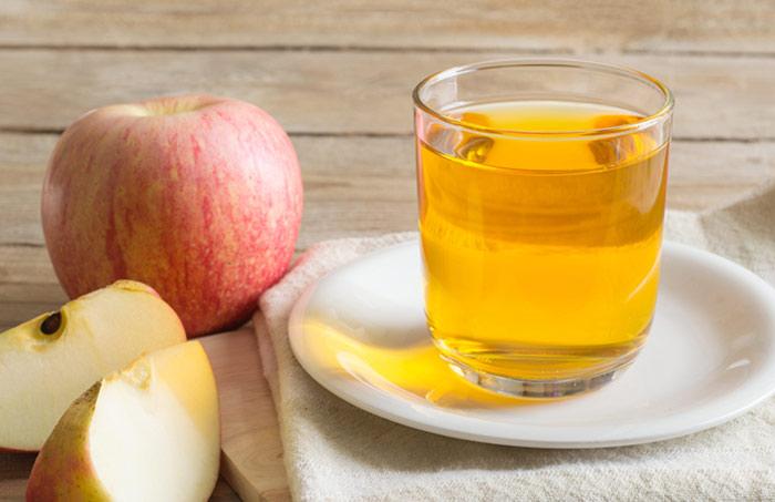 1. Apple Cider Vinegar For Freckles