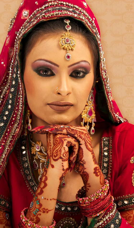 17 Winter Bridal HairStyles For Indian Women