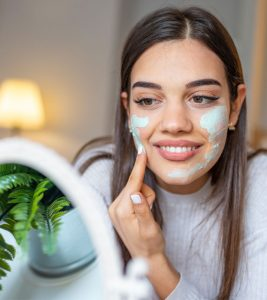 10 Best Ayurvedic Remedies To Reduce Acne At Home