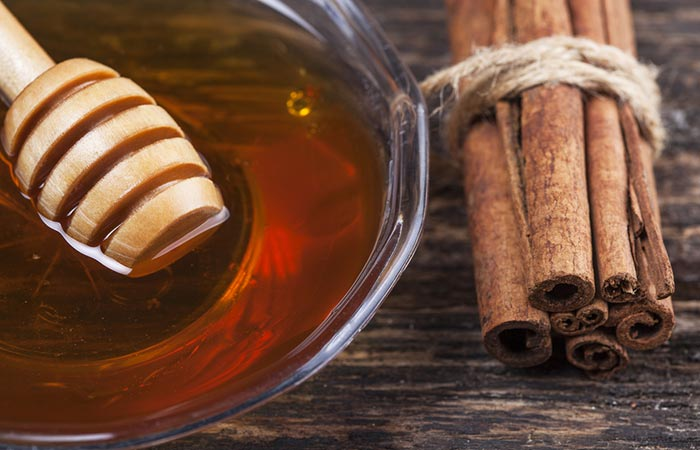 11. Honey And Cinnamon Face Mask