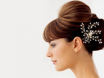 17-Winter-Bridal-Hairstyles-For-Indian-Women