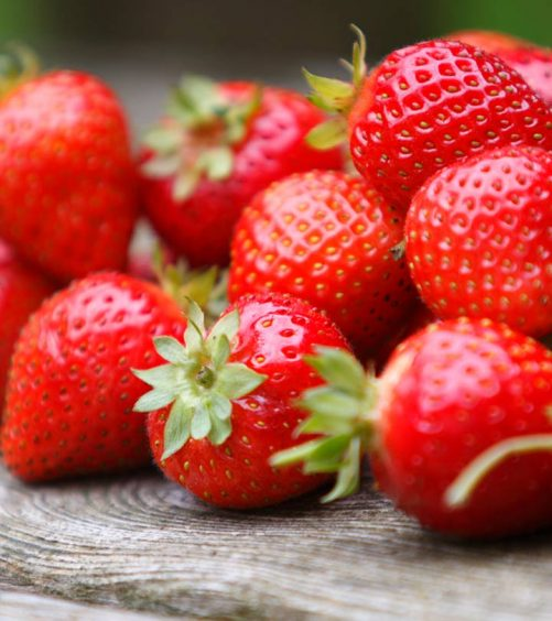 7 Strawberry Face Packs For Glowing Skin