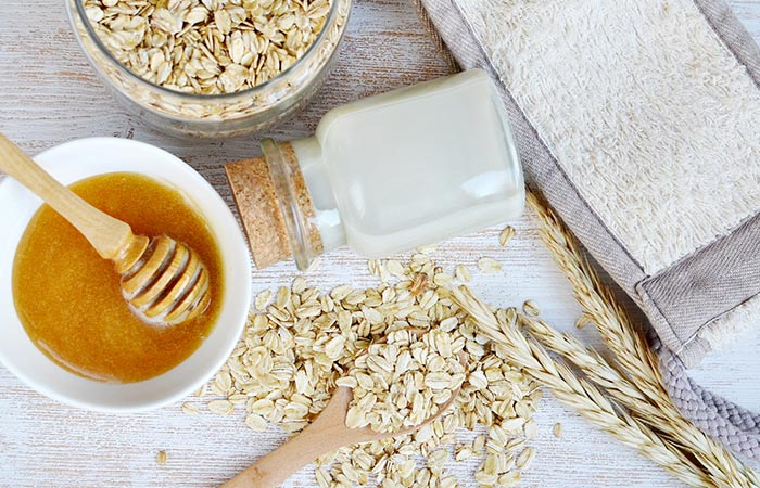 4. Honey And Oatmeal Face Mask For Open Pores