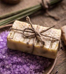 Best Soaps For Dry Skin – Our Top 10 Choices