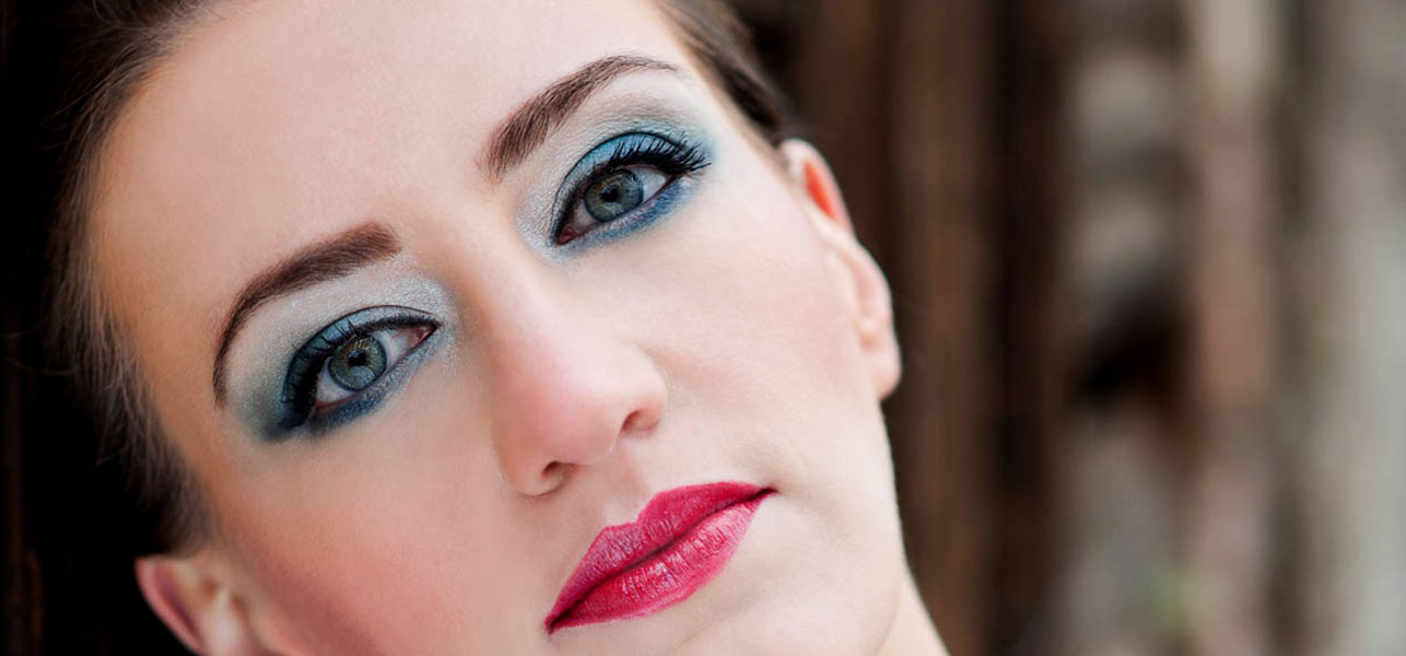 75-Blue-Eye-Makeup-Tutorial-–-The-Winter-Glam
