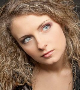 Best Shampoos For Frizzy Hair Available In India