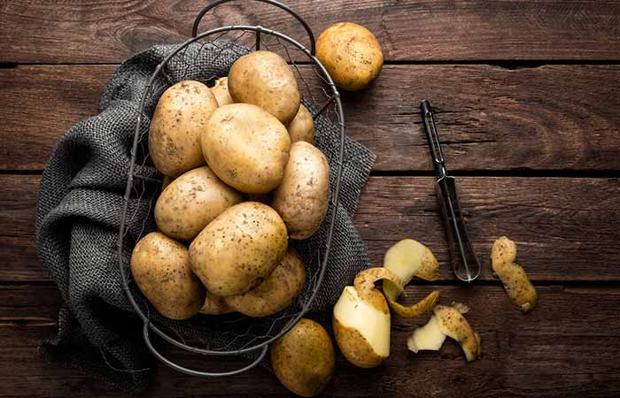 Ayurvedic Treatments For Pimples - Potato And Raisins