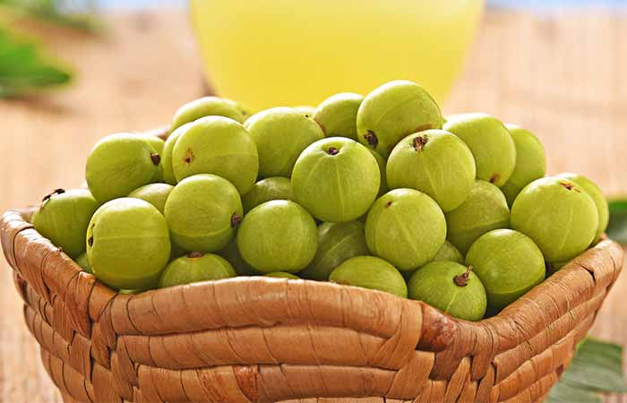 Ayurvedic Treatments For Pimples - Indian Gooseberry And Fennel