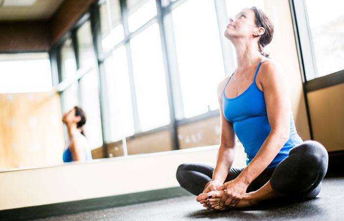 Sukhasana (Variation) To Cure Neck Pain - Yoga
