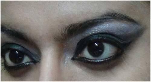 Apply Black Eye Shadow - Black Eye Makeup