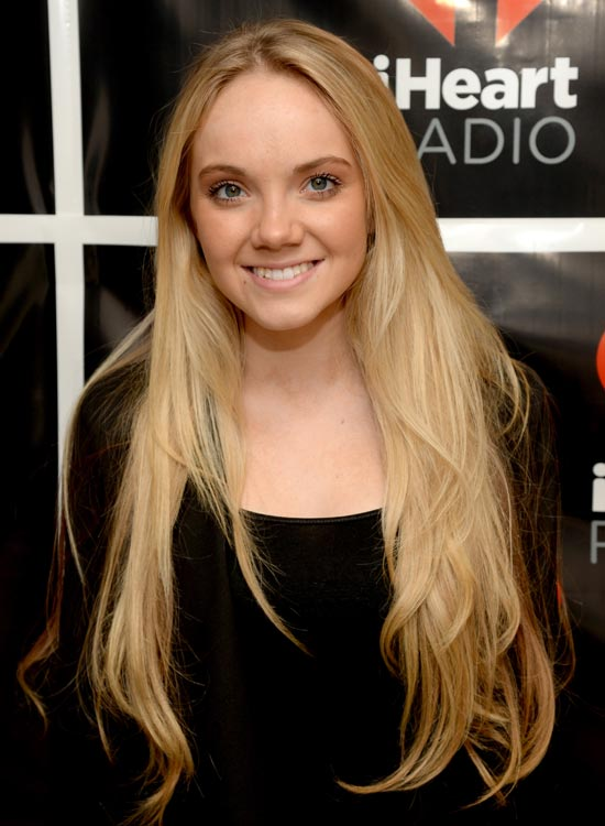 Blonde-Long-Hair-with-Subtle-Waves