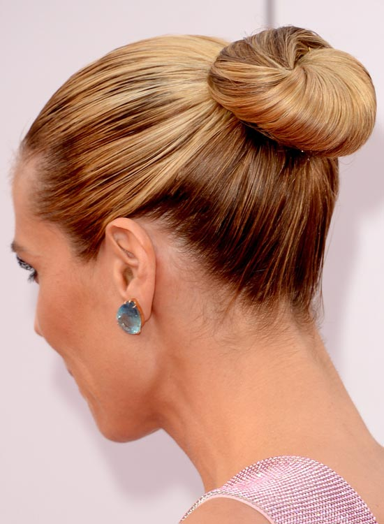 Blonde-Medium-Base-Bun