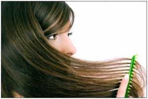 Comb-hair-to-keep-it-tangle-free-300x202