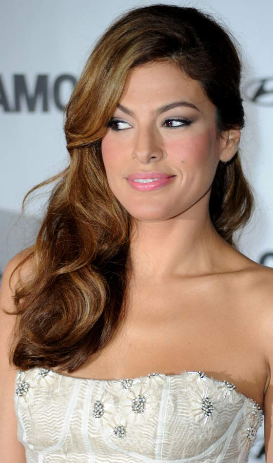 Eva Mendes Backcombed Thick Curly Waves