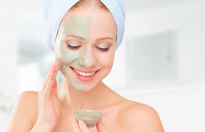 Flaxseed-And-Blue-Clay-Mask-For-A-Radiant-Skin